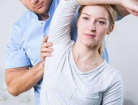 Esercizi per il dolore alla spalla